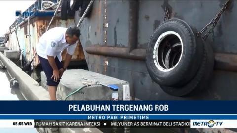 Pelabuhan Tanjung Emas Tergenang Rob