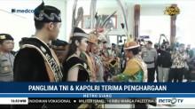 Panglima TNI dan Kapolri Terima Gelar Kehormatan Adat Dayak