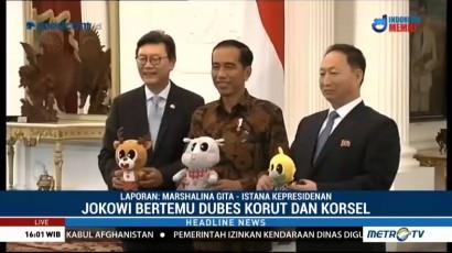 Jokowi Terima Dubes Korsel dan Korut di Istana Merdeka