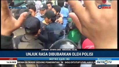 Unjuk Rasa Mahasiswa di Makassar Dibubarkan Paksa