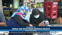 Warga Yogyakarta Beraktivitas Seperti Biasa Meski Diguyur Hujan Abu