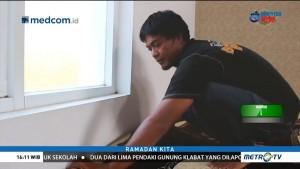 Kelompok Pemuda Ini Berkeliling Bersihkan Masjid di Garut Secara Sukarela