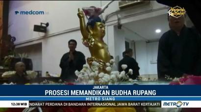 Prosesi Memandikan Buddha Rupang