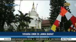 Vihara Unik Seperti Pagoda
