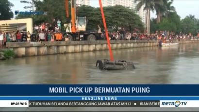 Mobil Pikap yang Tenggelam di Kalimalang Berhasil Dievakuasi
