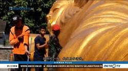 Prosesi Memandikan Patung Buddha Tidur Jelang Waisak