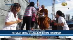 Ratusan Biksu di Magelang Lakukan Ritual Pindapata