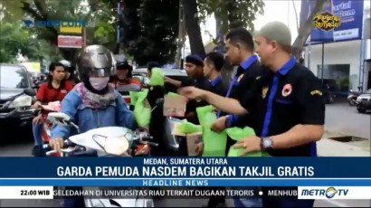 Garda Pemuda NasDem Sumut Bagi-bagi Takjil Gratis di Jalan
