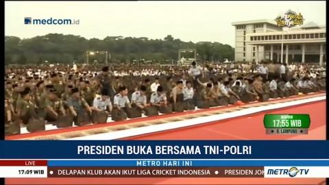 Jokowi Buka Puasa Bersama TNI dan Polri