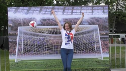Keseruan Suporter Jelang Rusia vs Arab