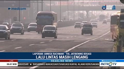 Arus Lalin di Tol Jatibening Lengang