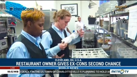 Restaurant Owner Gives Ex-cons a Second Chance
