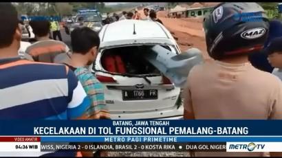 Diduga Mengantuk, Sebuah Mobil Tabrak Pembatas Jalan di Tol Pemalang-Batang