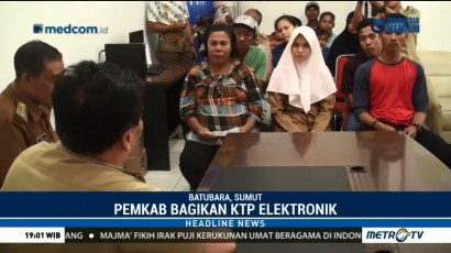 H-1 Pilkada, Pemkab Batubara Bagikan KTP-el