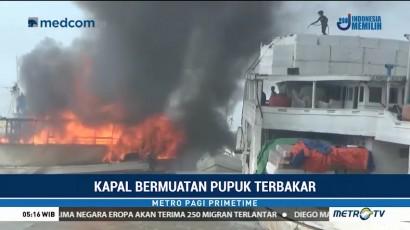 Kapal Bermuatan Pupuk Terbakar di Pelabuhan Gresik
