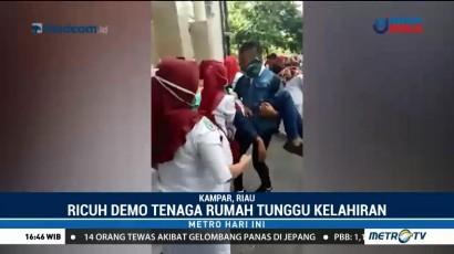 Unjuk Rasa Tenaga RTK di Kampar Berujung Bentrok