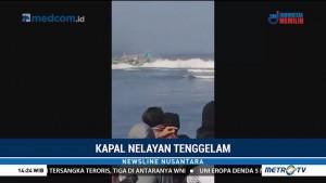 Rekaman Detik-detik Kapal Nelayan Tenggelam di Jember