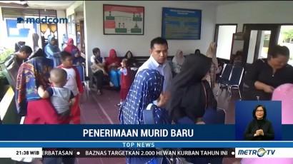 Puluhan Orang Tua Murid di Palopo Protes ke Kantor Dinas Pendidikan