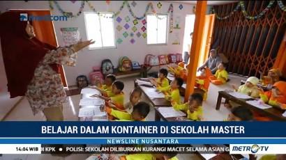 Belajar dalam Kontainer di Sekolah Master