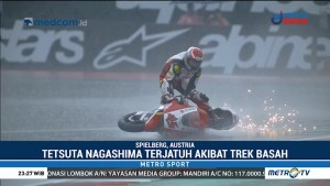 Aksi Jatuh Pembalap Moto2 Ini Curi Perhatian Netizen