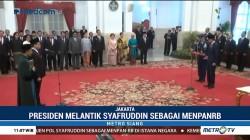 Jokowi Lantik Komjen Syafruddin Jadi Menpan RB