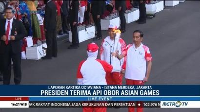 Presiden Jokowi Terima Api Obor Asian Games