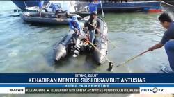 Menteri Susi Pimpin Gerakan Menghadap Laut