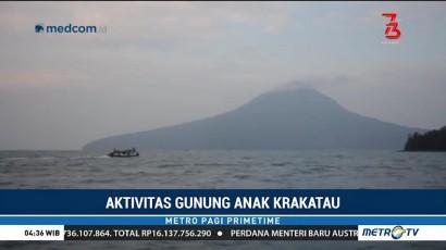 Nelayan Nekat Melaut di Perairan Gunung Anak Krakatau