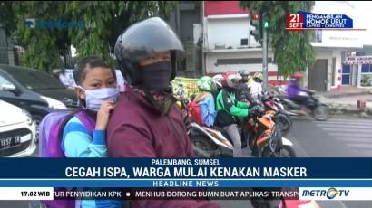 Cegah ISPA, Warga Palembang Mulai Kenakan Masker