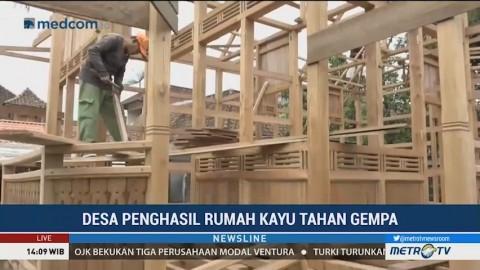 Mengunjungi Desa Penghasil Rumah Kayu Tahan Gempa