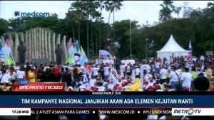 Relawan Jokowi-Ma'ruf Berkumpul di Tugu Proklamasi