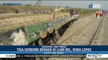 Kereta Barang Bermuatan Semen Anjlok