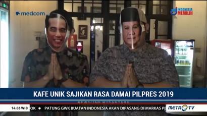 Saat 'Jokowi dan Prabowo' Kompak Layani Pengunjung Kafe