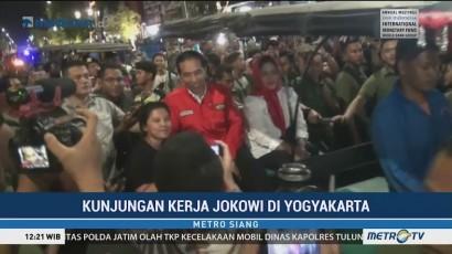 Jokowi Naik Andong Susuri Jalan Malioboro