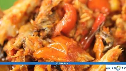 Mencicipi Makanan Khas Manado