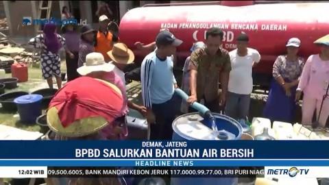 Warga Demak Kekeringan, BPBD Salurkan 24 Tangki Air Bersih