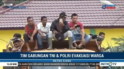 Ratusan Warga Korban Banjir di Aceh Singkil Dievakuasi dengan Truk