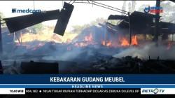 Gudang Mebel dan Rumah di Probolinggo Ludes Terbakar