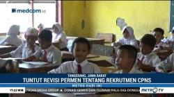 Ribuan Guru Honorer Mogok Mengajar