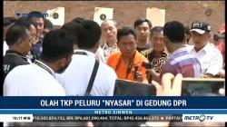 Olah TKP Peluru <i>Nyasar</i> di Gedung DPR