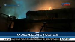 Empat Rumah di Johar Baru Ludes Terbakar
