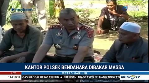 Kapolda Aceh Kunjungi Keluarga Tahanan yang Tewas di Mapolsek Bendahara