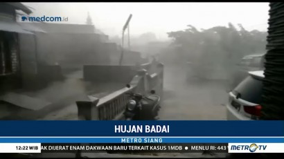 Hujan Badai Terjang Lamongan