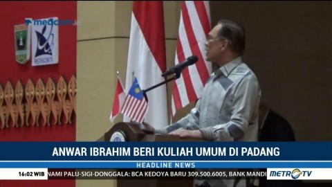 Anwar Ibrahim Beri Kuliah Umum di Padang