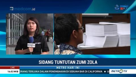 Zumi Zola Dituntut 8 Tahun Penjara