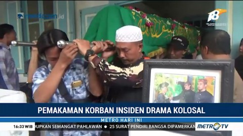 Suasana Duka Selimuti Pemakaman Korban Insiden Drama Surabaya Membara