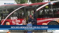 Naik Suroboyo Bus Cukup Bayar dengan Sampah Plastik
