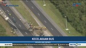 Bus dan Truk Bertabrakan di Florida
