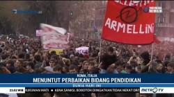 Ribuan Pelajar di Italia Gelar Aksi Unjuk Rasa