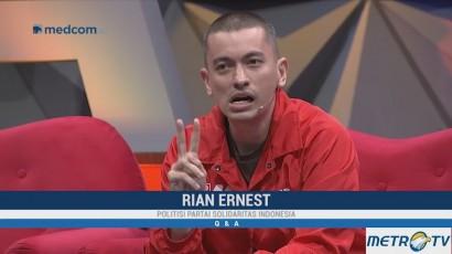 Politisi Busuk Menurut Rian Ernest